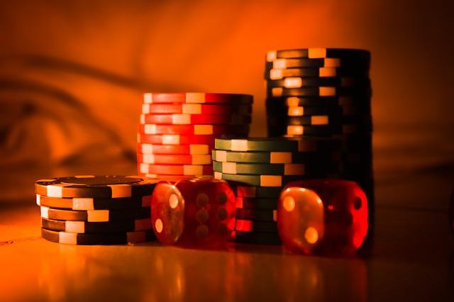 Beskrivning av livecasino poker och tärningsspel